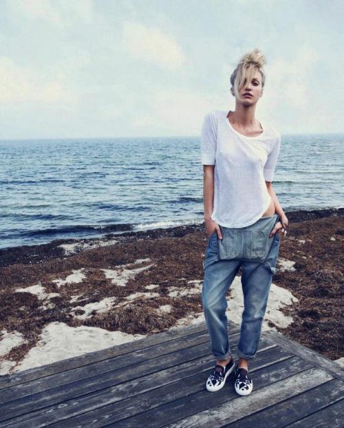 Elle-Denmark-July-2013-oraclefox